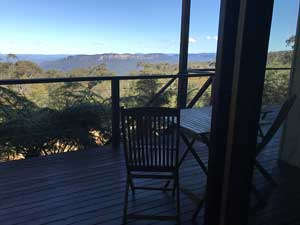 Cliff View Room with views to Mt Solitary and beyond